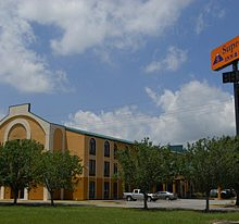 Supreme Inn and Suites
